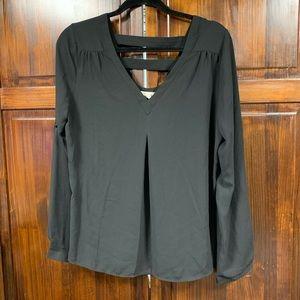 41 Hawthorn black long sleeve v-neck blouse large